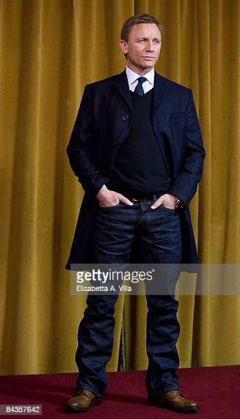 Actor Daniel Craig attends Defiance photocall at St Regis Grand Hotel on January 19 2009 in Rome Italy