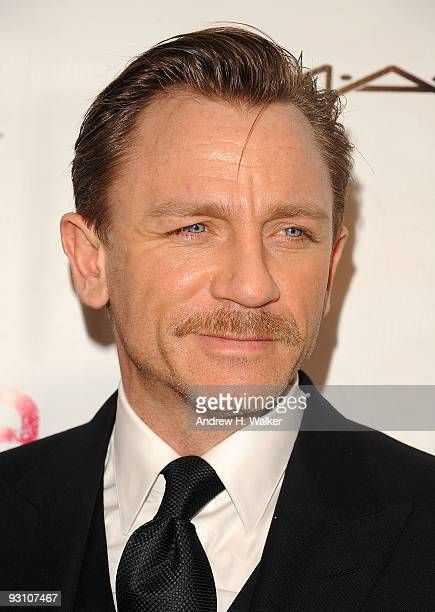 "Actor Daniel Craig attends the 8th Annual Elton John AIDS Foundation�s ""An Enduring Vision"" benefit at Cipriani, Wall Street on November 16, 2009 in..."