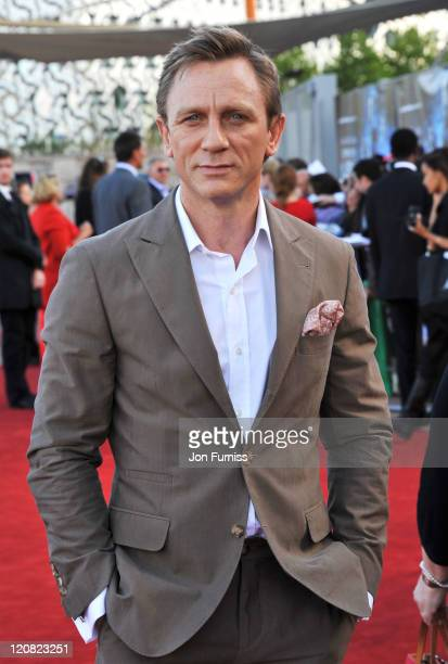 Actor Daniel Craig attends the Cowboys Aliens UK premiere at Cineworld 02 Arena on August 11 2011 in London England