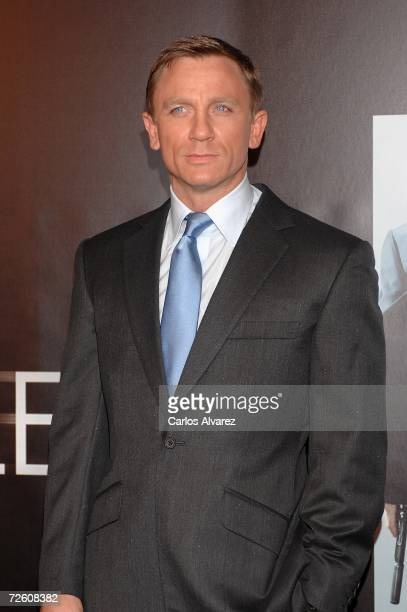 Actor Daniel Craig attends the premiere for 'Casino Royal' on November 20 2006 at Avenida Cinema in Madrid Spain