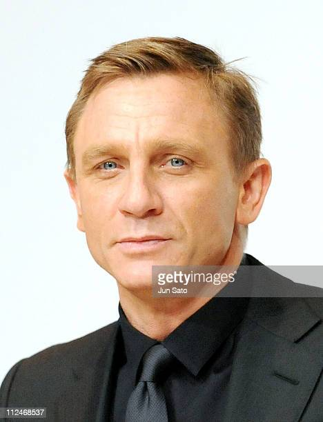 Actor Daniel Craig attends the 'Quantum of Solace' press conference at the Ritz Carlton Tokyo on November 25 2008 in Tokyo Japan The film will open...