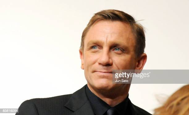 Actor Daniel Craig attends the Quantum of Solace press conference at the Ritz Carlton Tokyo on November 25 2008 in Tokyo Japan The film will open on...