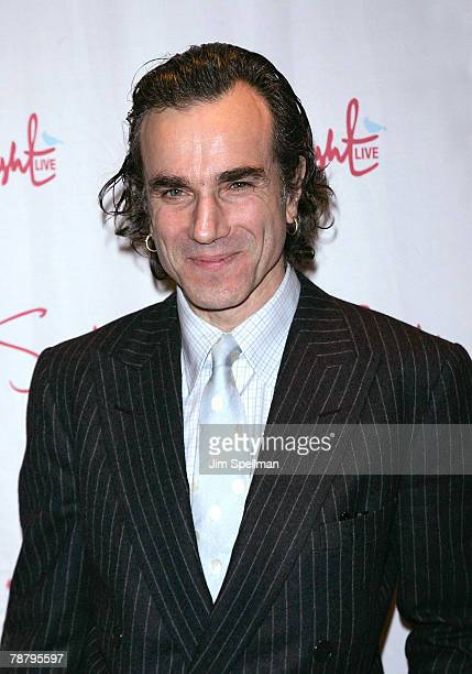 Actor Daniel Day Lewis arrives at the 2007 New York Film Critic's Circle Awards at Spotlight on January 6, 2008 in New York City.