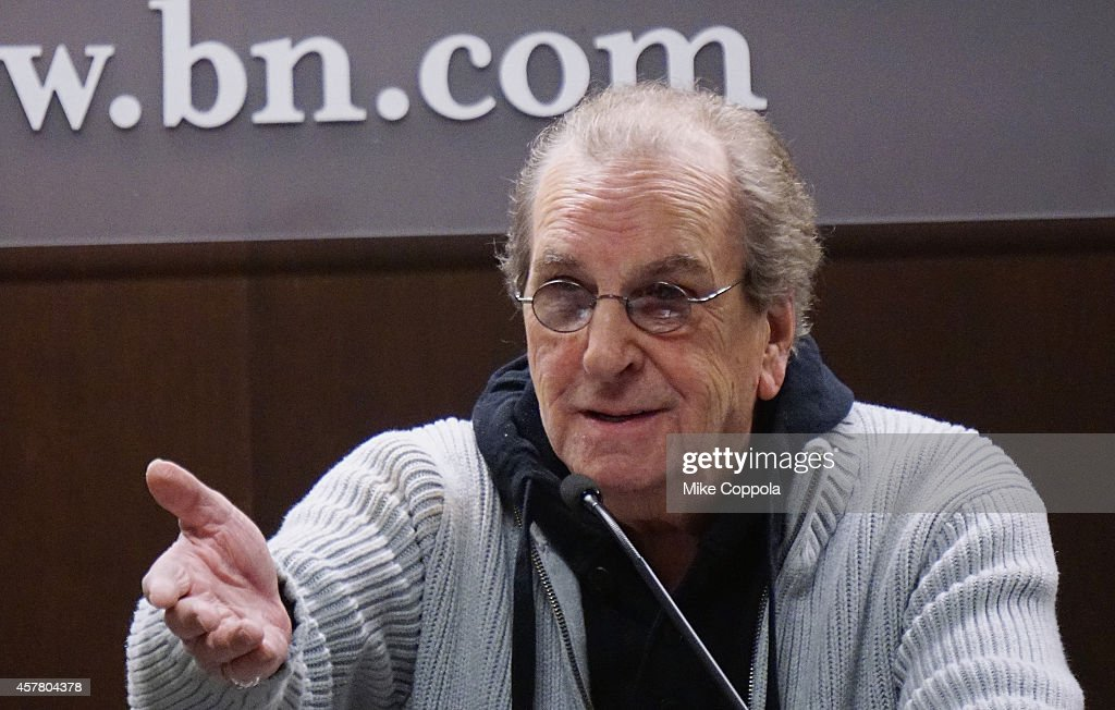 """Danny Aiello Signs Copied Of His Book """"I Only Know Who I Am When I Am Somebody Else"""" : News Photo"""