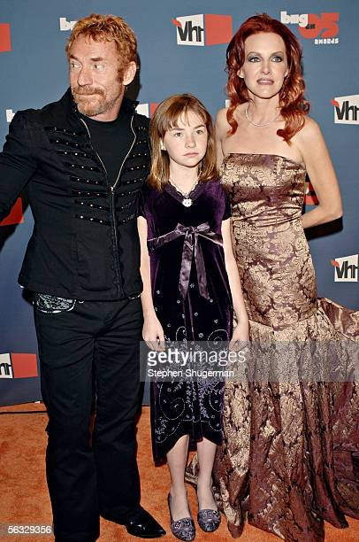 Actor Danny Bonaduce wife Gretchen Bonaduce and their daughter Isabella Bonaduce arrive at the VH1 Big In '05 Awards held at Stage 15 on the Sony lot...