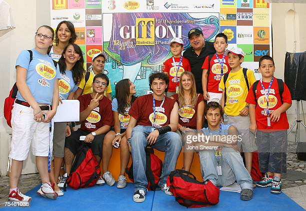 Actor Danny DeVito and student jurors pose at a photo call at Cinema Truffaut during the Giffoni Film Festival on July 17, 2007 in Giffoni, Italy.