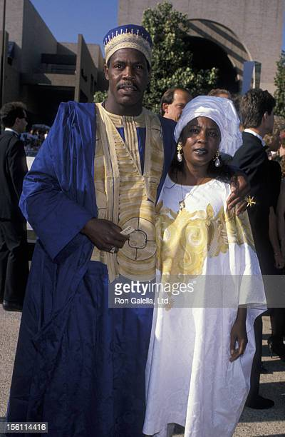 Actor Danny Glover and wife Asake Bomani attending 41st Annual Primetime Emmy Awards on September 17 1989 at the Pasadena Civic Auditorium in...
