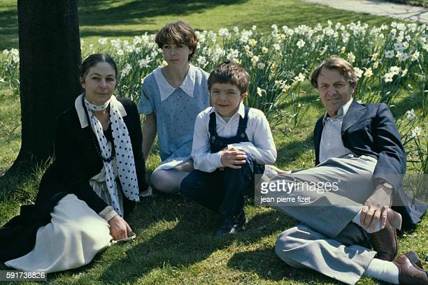 Actor David Bennent in Paris with his family From left to right His mother former dancer Diane Mansart his sister actress Anne Bennent David and his...