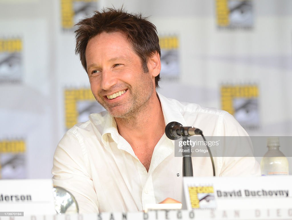 TV Guide Magazine Celebrates 20th Anniversary Of The X-Files - Comic-Con International 2013 : News Photo