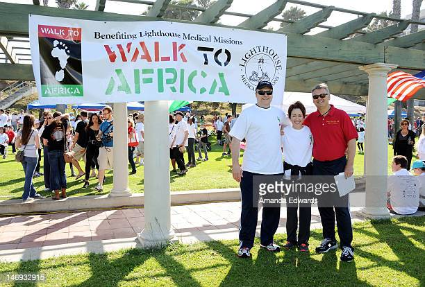 Actor David Hunt his wife actress Patricia Heaton and Dr Robert Hamilton of Lighthouse Medical Missions attend the 4th Annual WalkAThon for Medical...