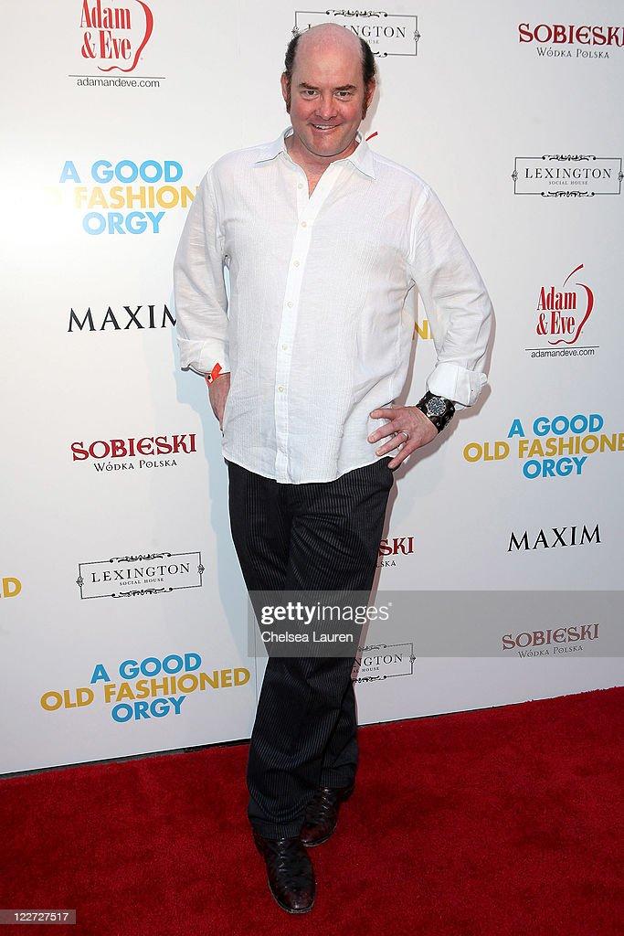 Jason Sudeikis stars as Eric in Samuel Goldwyn Films A Good Old Fashioned Orgy (2011) - Movie still no 10.