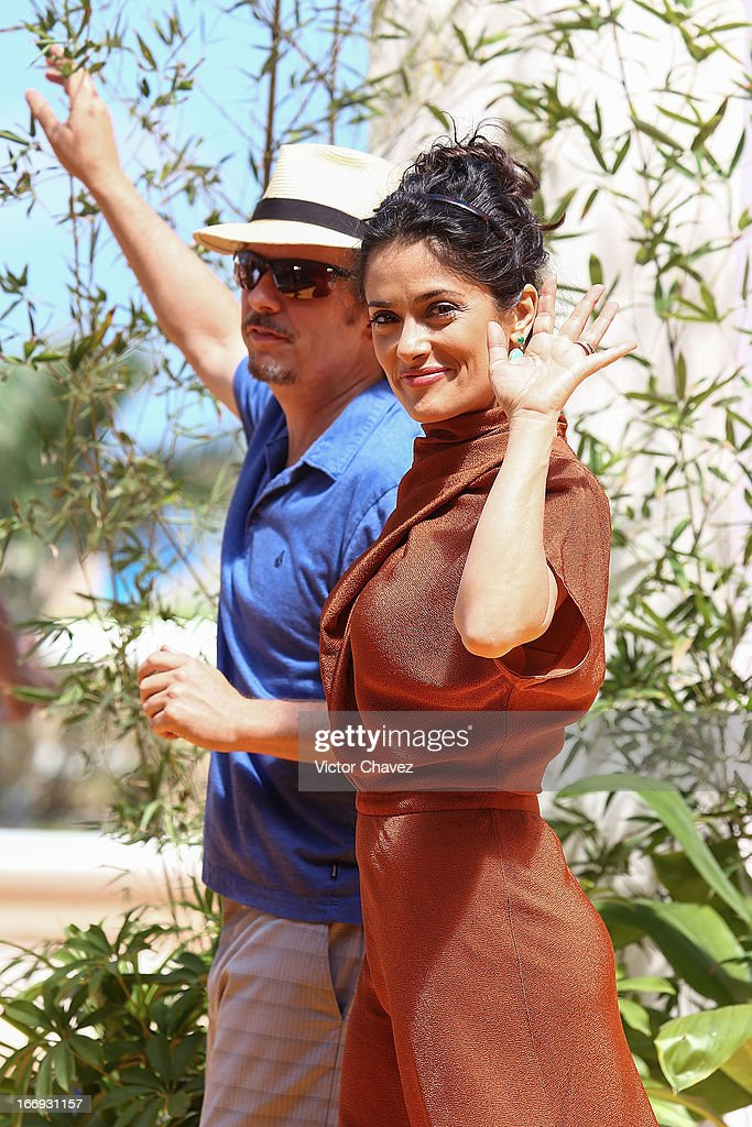 Actor David Spade and actress Salma Hayek attend the 'Grown Ups 2' photocall during The 5th Annual Summer Of Sony on April 18, 2013 in Cancun, Mexico.