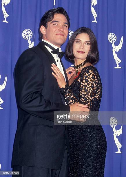 Actor Dean Cain and actress Teri Hatcher attend the 45th Annual Primetime Emmy Awards on September 19 1993 at the Pasadena Civic Auditorium in...