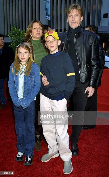 Actor Denis Leary and his family attend the premiere of Harry Potter and the Sorcerer's Stone November 11 2001 at the Ziegfeld Theatre in New York...