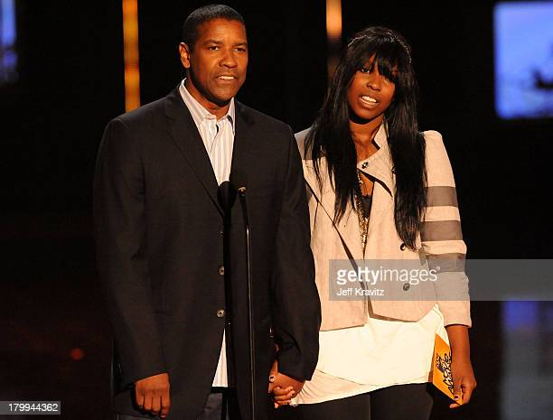 Actor Denzel Washington and Olivia Washington onstage during the 2009 MTV Movie Awards held at the Gibson Amphitheatre on May 31 2009 in Universal...