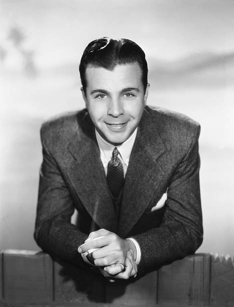 actor-dick-powell-picture-id526899658?k=