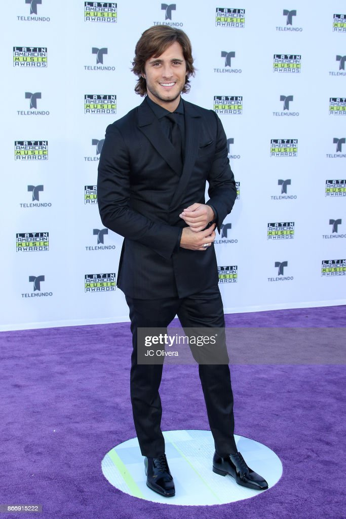2017 Latin American Music Awards - Arrivals