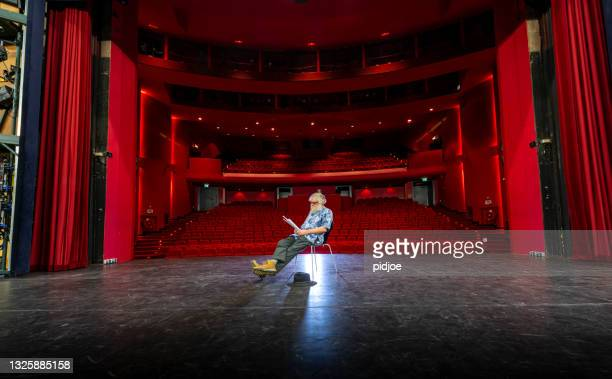 actor, director rehearsal in theatre - audience free event stock pictures, royalty-free photos & images