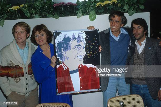 Actor director Ron Howard actress Marion Ross director Gary Marshall and actor Henry Winkler attend a 'Happy Days' party
