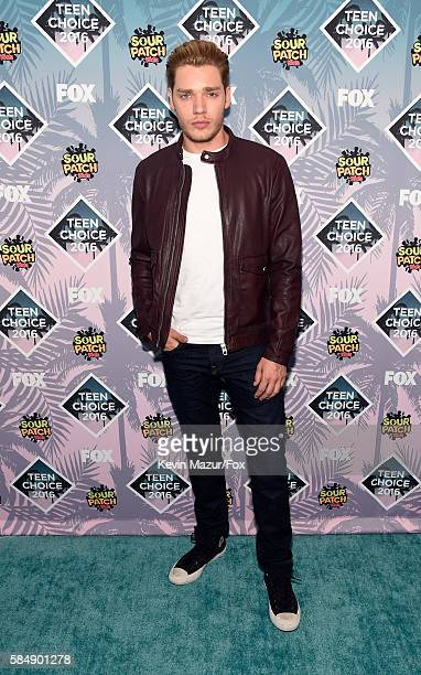 Actor Dominic Sherwood attends Teen Choice Awards 2016 at The Forum on July 31 2016 in Inglewood California