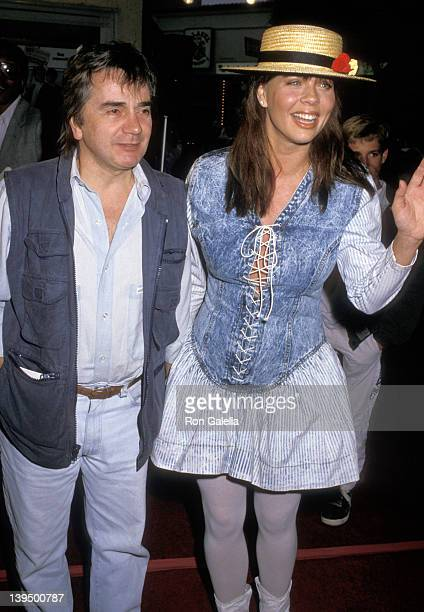 Actor Dudley Moore and wife Brogan Lane attend the Arthur 2 On the Rocks Westwood Premiere on June 22 1988 at Mann Bruin Theatre in Westwood...