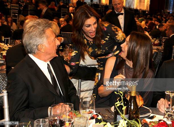 Actor Dustin Hoffman Actress Julia Roberts and Lisa Gottsegen in the audience during the 38th AFI Life Achievement Award honoring Mike Nichols held...