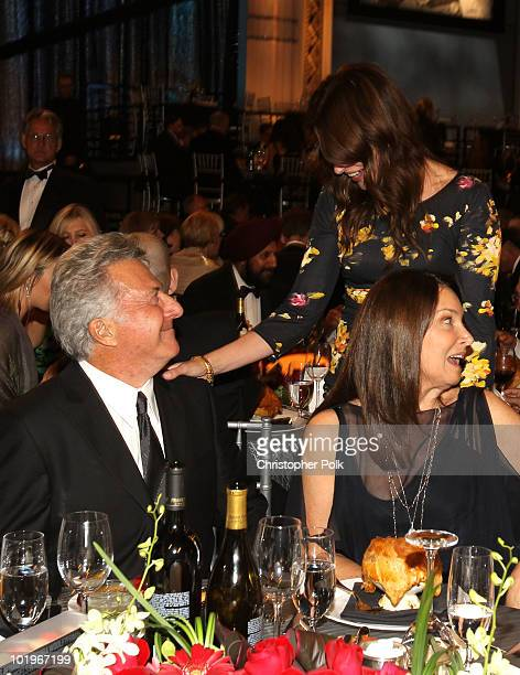 Actor Dustin Hoffman, Actress Julia Roberts and Lisa Gottsegen in the audience during the 38th AFI Life Achievement Award honoring Mike Nichols held...