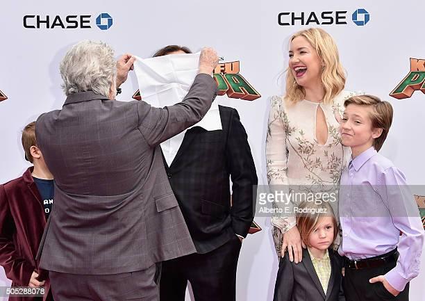 Actor Dustin Hoffman Samuel Jason Black actor Jack Black actress Kate Hudson Bingham Hawn Bellamy and Ryder Robinson attend the premiere of...