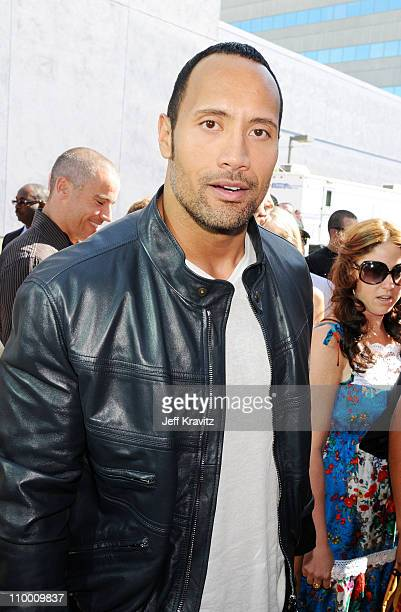 Actor Dwayne the rock Johnson arrives to the 2008 MTV Movie Awards at the Gibson Amphitheatre on June 1, 2008 in Universal City, California.