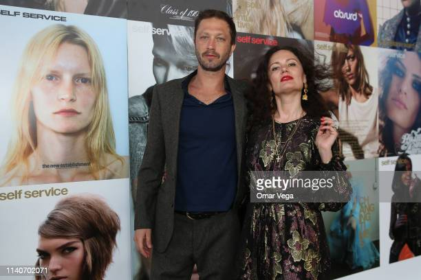 Actor Ebon MossBachrach and Vogue photographer Yelena Yemchuk attend the Dallas Contemporary Spring Gala on April 5 2019 in Dallas Texas
