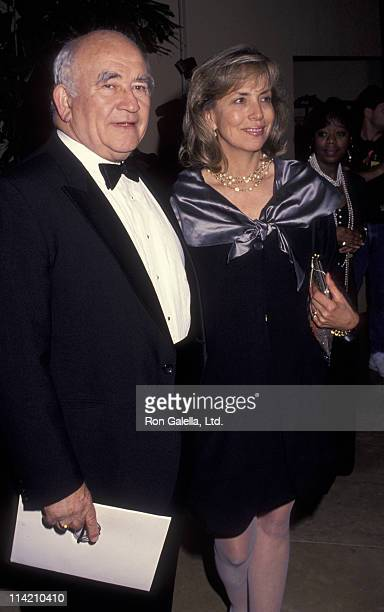 Actor Ed Asner and Cindy Gilmore attend 44th Annual Writer's Guild of America Awards on March 22 1992 at the Beverly Hilton Hotel in Beverly Hills...