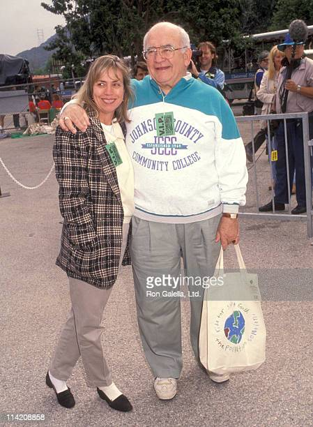 Actor Ed Asner and Cindy Gilmore attend Earth Walk Benefit on March 28 1992 at Universal Studios in Universal City California
