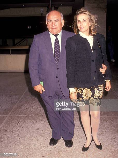 Actor Ed Asner and Cindy Gilmore attend the performance of City of Angels on June 5 1991 at the Shubert Theater in Century City California