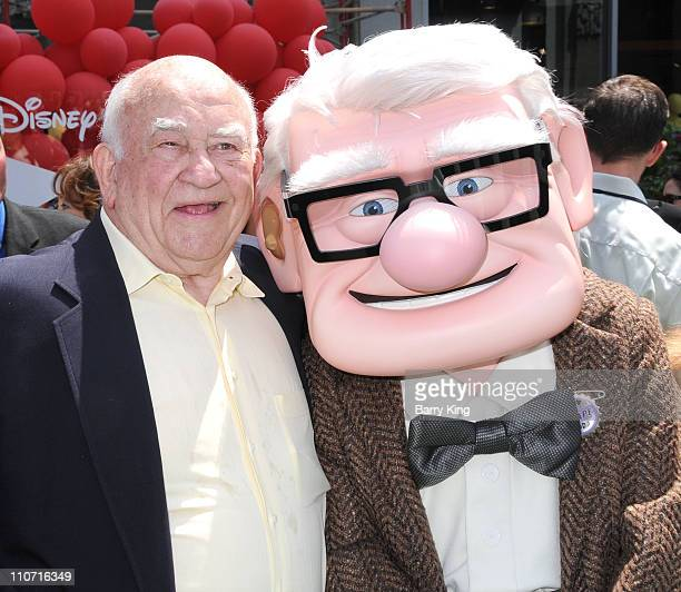 Actor Ed Asner arrives to the Los Angeles premiere of UP held at the El Capitan Theatre on May 16 2009 in Hollywood California