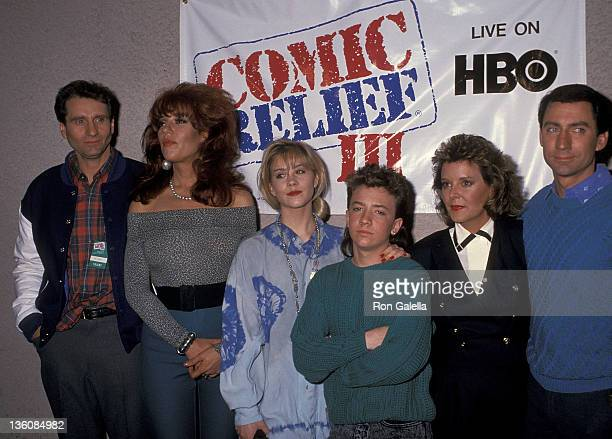 Actor Ed O'Neill actress Katey Sagal actress Christina Applegate actor David Faustino actress Amanda Bearse and actor David Garrison attend the HBO...