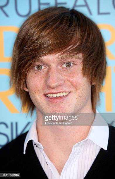 """Actor Eddie Hassell attends """"The Kids Are All Right"""" film premiere at Regal Cinemas on June 17, 2010 in Los Angeles, California."""