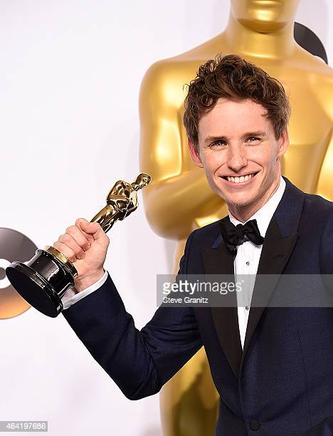 Actor Eddie Redmayne winner of the Best Actor in a Leading Role Award for 'The Theory of Everything' poses in the press room during the 87th Annual...