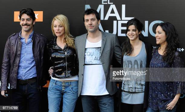 Actor Eduardo Noriega actress Belen Rueda director Oskar Santos actress Clara Lago and actress Cristina Plazas attend the 'El Mal Ajeno' photocall at...