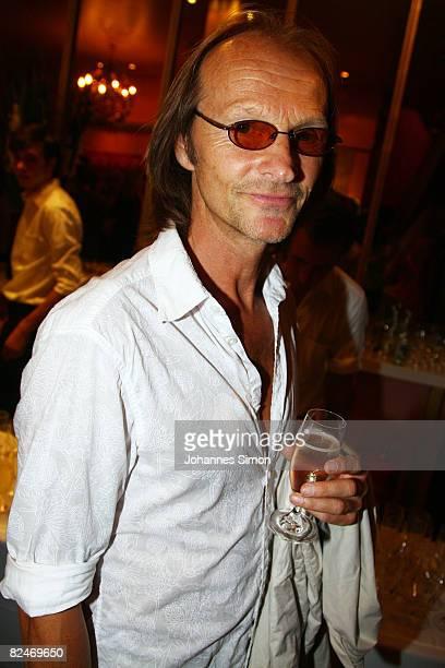 Actor Eisi Gulp attends the 'Raeuber Kneissl' film premiere at Odeonsplatz Filmcasino on August 19 2008 in Munich Germany
