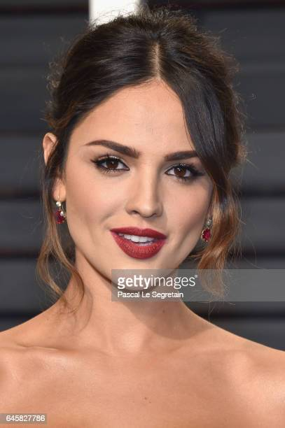 Actor Eiza Gonzalez attends the 2017 Vanity Fair Oscar Party hosted by Graydon Carter at Wallis Annenberg Center for the Performing Arts on February...