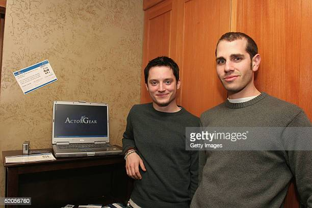 Actor Elijah Wood visits the ActorGearcom display at the Gibson Gift Lounge during the 2005 Sundance Film Festival on January 23 2005 in Park City...