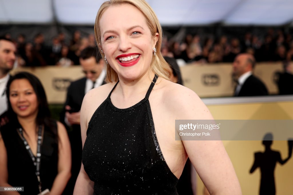 Actor Elisabeth Moss attends the 24th Annual Screen Actors Guild Awards at The Shrine Auditorium on January 21, 2018 in Los Angeles, California. 27522_010