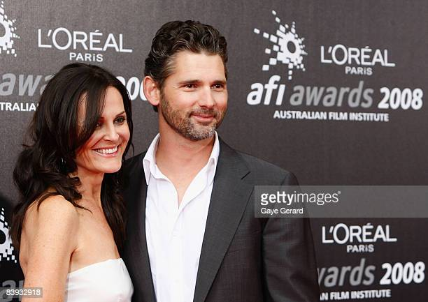 Actor Eric Bana and his wife Rebecca Gleeson arrive at the L'Oreal Paris 2008 AFI Awards at the Princess Theatre on December 6 2008 in Melbourne...
