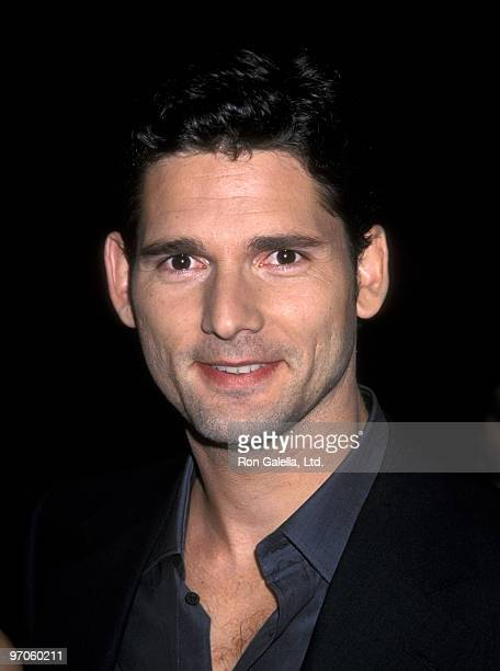 Actor Eric Bana attending the premiere of Black Hawk Down on December 18 2001 at the Academy Theater in Beverly Hills California