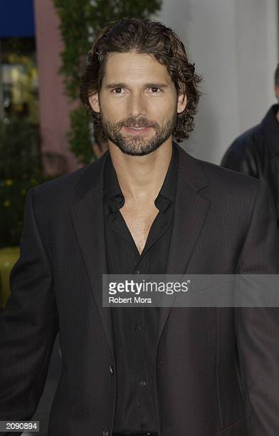 Actor Eric Bana attends the premiere of The Hulk at the Universal Amphitheater on June 17 2003 in Universal City California The film opens in...