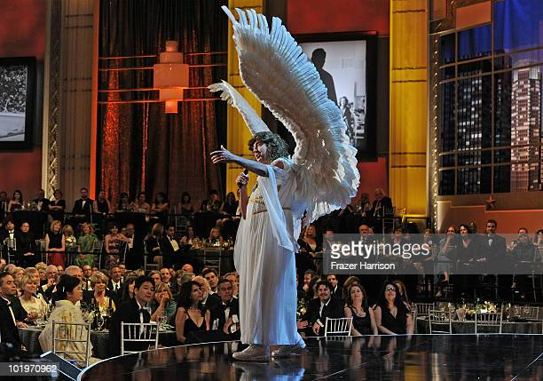 Actor Eric Idle performs during the 38th AFI Life Achievement Award honoring Mike Nichols held at Sony Pictures Studios on June 10 2010 in Culver...