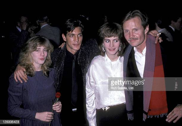 Actor Eric Roberts actress Julia Roberts and their sister Lisa Roberts and actor Jon Voight attend the Runaway Train Premiere Party on December 4...