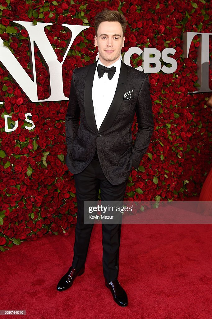 Actor Erich Bergen attends the 70th Annual Tony Awards at The Beacon Theatre on June 12, 2016 in New York City.