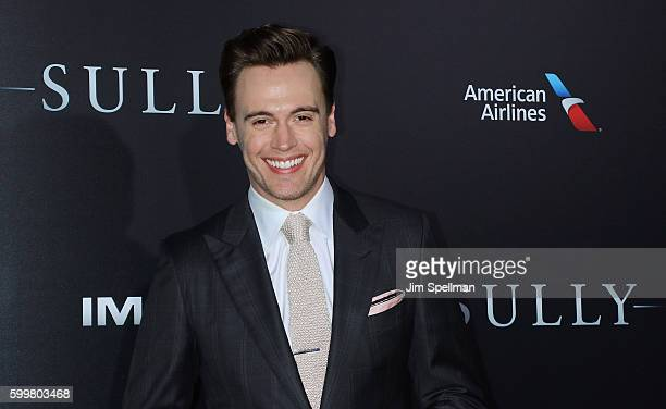 """Actor Erich Bergen attends the """"Sully"""" New York premiere at Alice Tully Hall, Lincoln Center on September 6, 2016 in New York City."""