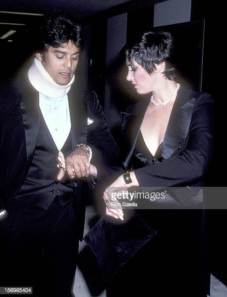 Actor Erik Estrada and actress Beverly Sassoon attend the Easter Seals' Black White Ball to Honor Pat Boone on March 27 1981 at the Hyatt Regency...